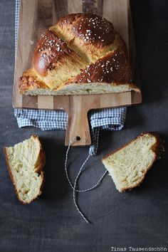- Tina thousand beautiful - Some people call it brioche, in the neighboring country it is called Striezel, it is often served f - Our Daily Bread, Homemade Butter, No Bake Cake, Soul Food, Food Inspiration, Biscotti, Delish, Food Photography, Bakery