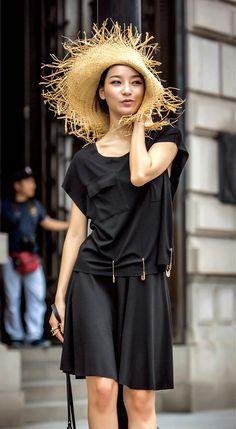 Fashiontroy Minimalism short sleeved crew neck black pure color cotton T-shirt + creped mini skirt
