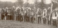 A Band of Sioux Warriors - The Nebraska State Journal (Lincoln, Nebraska) Oct 25, 1897
