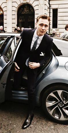 Tom Hiddleston is perfect 100 %