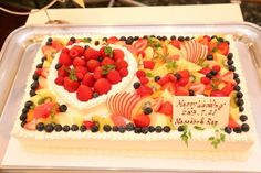 結婚式場写真「花嫁の憧れウェディングケーキ!豊富に揃う可愛いデザインの数々!お二人のイラストをもとに世界に一つだけのオリジナルケーキも可能です!」 【みんなのウェディング】