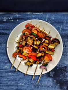 Ratatouille Kebabs All the summer vegetables on a stick. The perfect vegan BBQ food. You'll love these delicious ratatouille kebabs! Vegan Bbq Recipes, Grilling Recipes, Veggie Recipes, Cooking Recipes, Healthy Recipes, Vegan Food, Vegetarian Cooking, Vegan Grilling, Vegan Barbecue