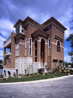 Home Design Reminds Me Of An Old Firehouse Building Turned Into A