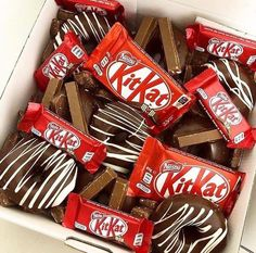 Love Chocolate, Snack Recipes, Chips, Sweets, Cake, Desserts, Food, Mermaid, Pizza