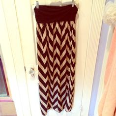 Forever 21 Maxi Dress Only worn once! Very flattering. Forever 21 Dresses Maxi