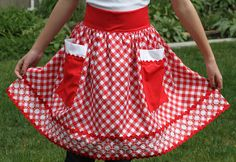♥ this apron by Lori Holt!