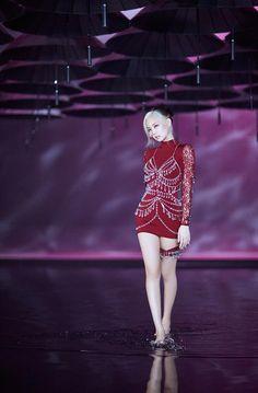 Blackpink Jennie, Blackpink Outfits, Stage Outfits, South Korean Girls, Korean Girl Groups, Lisa Park, Black Pink Kpop, Blackpink Photos, Blackpink Fashion