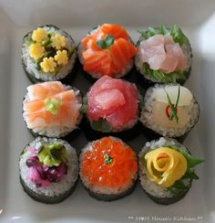 Lunch party, etc Sushi Donuts, Sushi Cake, Cute Food, Good Food, Yummy Food, Sushi Recipes, Cooking Recipes, Temari Sushi, Japanese Food Sushi