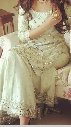 Moon sm know the prize Pakistani Wedding Outfits, Pakistani Bridal, Pakistani Dresses, Pakistani Fashion Party Wear, Pakistani Sharara, Indian Party Wear, Indian Attire, Indian Ethnic Wear, Indian Outfits
