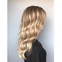 Babylighits med lysere front👩🏼 Farge og styling er utført av Amanda😊 Resept. Lysnet med silklift 9% Korrigering etterv: Elumen 20 NA8 10… Breeze, Long Hair Styles, Beauty, Instagram, Color, Long Hairstyle, Colour, Long Haircuts, Long Hair Cuts