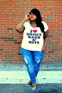 Plus Size Women's Fashion by Musings of a Curvy Lady #graphictee #redlips #mac #rubywoo #skinnyjeans #casualoutfit