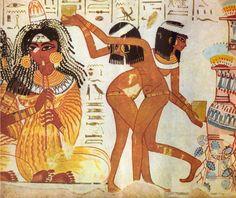 11.El Egipto faraoníco empleaba el negro carbón y el hollín para pintar en las pelucas de los personajes y subrayar los detalles y las líneas del decorado.Los carbones vegetales están en el origen de la mayoría de los pigmentos negros de la pintura de Egipto.El amarillo en Egipto evoca al astro solar, vínculo indispensable para el renacimiento, y el oro, carne de la que están hechos los dioses.Existieron nuevos pigmentos amarillos como el oropimente,el amarillo de Nápoles y el de la momia…