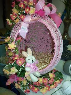 Craft spring egg basket 45 Ideas for 2019 Easter Egg Basket, Easter Eggs, Fun Crafts, Diy And Crafts, Easter Egg Crafts, Free Christmas Printables, Easter Holidays, Hoppy Easter, Easter Wreaths