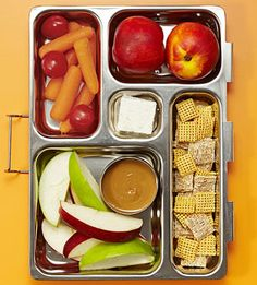 50 Bento Box Lunch Ideas: Dippin' Delight (via Parents.com)