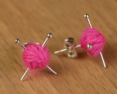 Orecchini a lobo - Knitting Ear studs - Pink knit earrings - un prodotto unico di Maxsworld su DaWanda