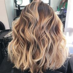 A #tb of this caramel latte Blonde I did last year along with a long bob and textured wave❤#adriennedarahair