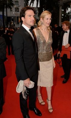 CANNES, FRANCE - MAY 25:  Actress Kelly Rutherford and Matthew Settle attend the 'Cosmopolis' premiere during the 65th Annual Cannes Film Festival at Palais des Festivals on May 25, 2012 in Cannes, France.
