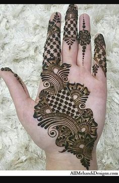 Follow me Farzana motiwala Simple Arabic Mehndi Designs, Henna Art Designs, Mehndi Designs For Girls, Mehndi Designs 2018, Mehndi Designs For Beginners, Stylish Mehndi Designs, Dulhan Mehndi Designs, Mehndi Designs For Fingers, Wedding Mehndi Designs