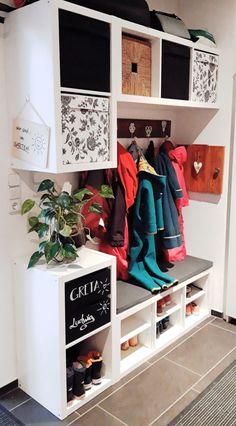 Home Design Diy, Diy Home Decor, Ikea Bissa, Ikea Kallax Hack, Ikea Co, Ikea Entryway, Wooden Closet, Decoration Entree, Home Living Room