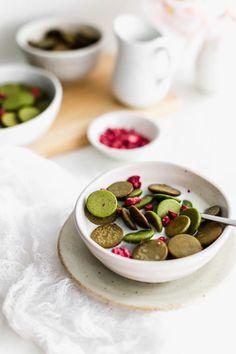 Vegan Breakfast Recipes, Brunch Recipes, Green Tea Recipes, Freeze Dried Fruit, Magic Recipe, Cereal Recipes, How To Make Breakfast, Food Design, I Love Food