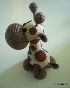 little josie's: Amigurumi Giraff someone please make me one!!!!!!:) i want to squeez its nose:)