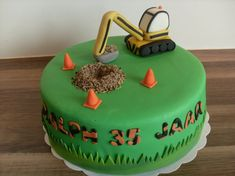 Foto van de week (week 40 2013): Graafmachine taart gemaakt door Mooie Taarten van Ellen Birthday Cake For Him, 4th Birthday, Cakes For Boys, Boy Cakes, Excavator Cake, Tropical Party Decorations, Clay Mugs, Cake Art, Cupcakes