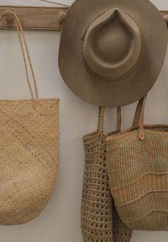 In the details. Summer Aesthetic, Little Bag, Fashion Branding, Rustic Design, Birkin, Vintage Shops, Straw Bag, Vintage Outfits, Lily