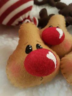 Christmas Craft Projects, Christmas Clay, Felt Christmas Ornaments, Homemade Christmas, Christmas Snowman, Christmas Wreaths, Christmas Decorations, Christmas Bazaar Ideas, Bed Spring Crafts