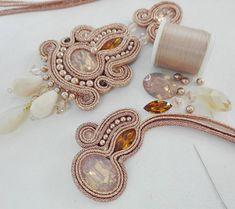"""del""""-gold rose new soutache. Soutache Pendant, Soutache Necklace, Tassel Earrings, Ring Earrings, Jewelry Design Earrings, Boho Jewelry, Jewelery, Shibori, Earring Trends"""