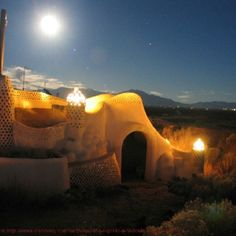 Earthships...it looks so out of this world! Very unique