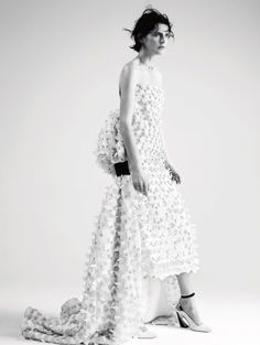 Stella Tennant by Willy Vanderperre for Dior Magazine #6 1 Stella Tennant, Celebrity Photography, Fashion Photography, Moda Fashion, Fashion Models, Campaign Fashion, White Fashion, White Lace, Editorial Fashion