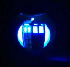 White pumpkin - blue LED