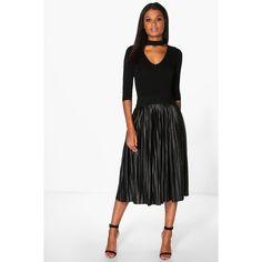 Boohoo Night Jeana Metallic Pleated Midi Skirt ($35) ❤ liked on Polyvore featuring skirts, black, pleated midi skirt, holiday skirts, pleated mini skirt, embellished skirts and mini skirt