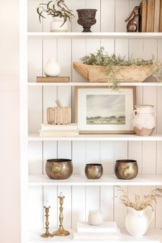 Bookcase Styling A warm and cozy living room with lots of layers, texture and pattern for fall Living Room Shelves, Cozy Living Rooms, Bookshelf In Kitchen, Shelf Ideas For Living Room, Small Bookshelf, Bookshelf Speakers, Living Room Inspiration, Home Decor Inspiration, Decor Ideas