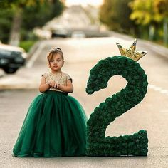 Pinterest: @calllmedi ✨ Carousel Photoshoot, 2nd Birthday Pictures, Baby Girl 1st Birthday, 5th Birthday, Birthday Ideas, Birthday Numbers, Mom Day, Birthday Dresses, Childrens Party