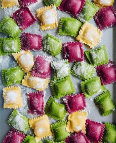 Oct 5 Homemade Beet, Butternut Squash, and Spinach Ravioli with Orange Butter Sauce with KitchenAid - {Pasta recipes / Pasta Rezepte} - Pasta Recipes, Cooking Recipes, Spinach Recipes, Spinach Ravioli, Vegan Ravioli, Butternut Squash Ravioli, Pasta Casera, Masterchef, Tasty
