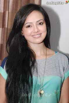 Sana Khan, Tamil Actress Photos, Beautiful Bollywood Actress, Telugu Cinema, Tamil Movies, Beauty Queens, Curves, Hollywood, Actresses