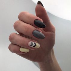 Autumn nails Fall nails 2019 Festive nails with a picture Ideas of colorful nails Multi-color nails Nails ideas 2019 September nails Unusual nails Nail Art Design Gallery, Fall Nail Art Designs, White Nail Designs, Acrylic Nail Designs, Autumn Nails, Winter Nails, Round Shaped Nails, Short Round Nails, Gel Acrylic Nails
