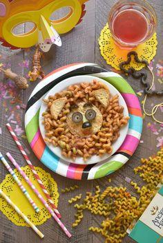 Adorable gluten free lion pasta faces. It's a Pasta Party with Ancient Harvest Veggie Curls!