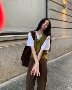 Korean Girl Fashion, Korean Street Fashion, Asian Fashion, Teen Fashion Outfits, Retro Outfits, Cute Casual Outfits, Hipster Outfits, Preppy Outfits, Modest Outfits