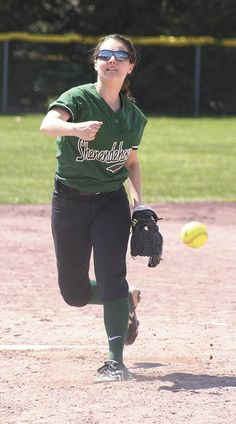 Shenendehowa softball picks up two wins in Saturday's doubleheader to honor former Plainsmen Christina Massa. Click to read the full story...
