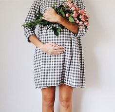 [Maternity Fashion] Practical Advice For Buying Maternity Clothes During Pregnancy ** Visit the image link for more details. Baby Bump Style, Mommy Style, Pregnancy Outfits, Pregnancy Photos, Pregnancy Fashion, Pregnancy Dress, Baby Pregnancy, Maternity Wear, Maternity Fashion