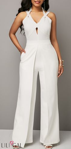 Open Back Solid White Overlap Jumpsuit – Outfit of the day. White Jumpsuit, Denim Jumpsuit, White Outfits, Jumpsuits For Women, Fashion Jumpsuits, Fashion Outfits, Womens Fashion, Fashion Clothes, Ideias Fashion