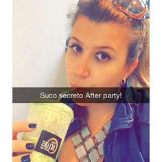 Que tal um suco secreto #afterparty aqui do #espacodellasbar eu amoo!  #blowout #nails #paraserbonitadivirtase #vem