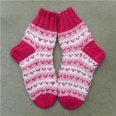 Lasten sukat 4 - Kikiliakii neuloo - Vuodatus.net Knitting Socks, Knit Socks, Diy And Crafts, Slippers, Chic, Hats, Fashion, Tights, Knitting And Crocheting