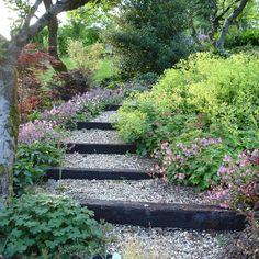 New Backyard Ideas Sloped Yard Hillside Landscaping Ideas Hillside Garden, Gravel Garden, Garden Paths, Sloping Garden, Hill Garden, Rocks Garden, Garden Shrubs, Garden Shade, Garden Beds