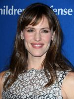 Jennifer Garner Teaches Us How To Be A Woman In A Man's World #refinery29