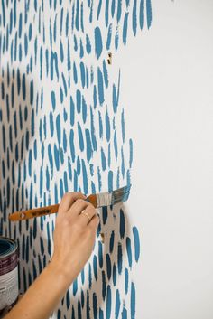 DIY Brushstroke Accent Wall Tutorial Rachael initially suggested a wallpaper for this wall. Instead, I decided to mimic the wallpaper and do a DIY brushstroke accent wall. Easy and fun to do. Home Remodeling, Paint Colors, Diy Home Decor, Diy Wall Decor For Bedroom, Bedroom Wall Designs, Decor Room, Crafty, Paint Decor, Small Living