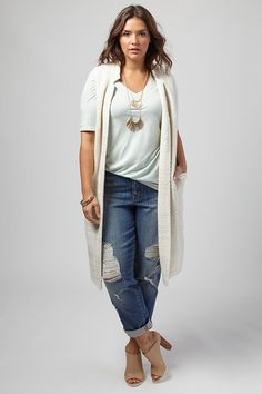 Plus size: looks para trabalhar Today we received the request to show you options of looks plus size to work Casual Plus Size Outfits, Plus Size Casual, Plus Size Jeans, Plus Size Boyfriend Jeans, Size 14 Outfits, Plus Size Sweaters, Plus Size Hair, Plus Size White Outfit, Summer Work Outfits Plus Size