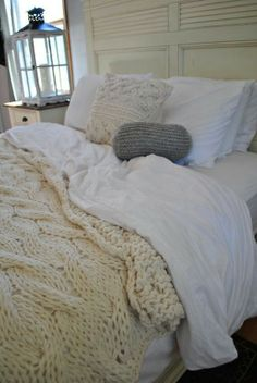 Love this crochet bed spread!